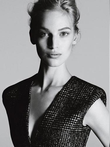 Vanessa Axente w kampanii Calvin Klein jesień-zima 2013/14
