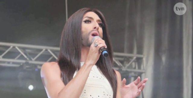 Conchita Wurst wystąpiła w kreacji zwycięzcy Project Runway!