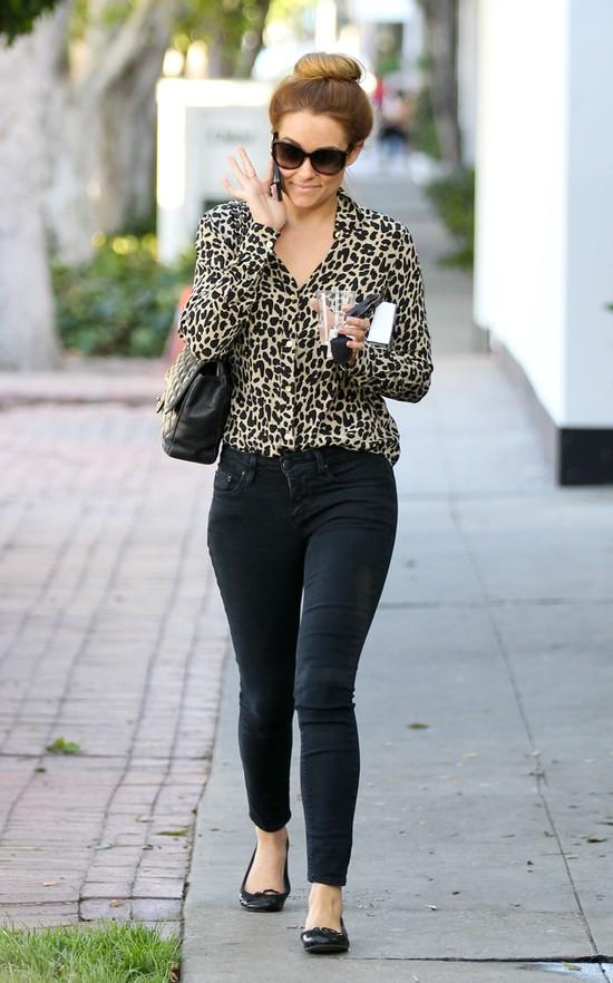 Lauren Conrad w panterkowej bluzce
