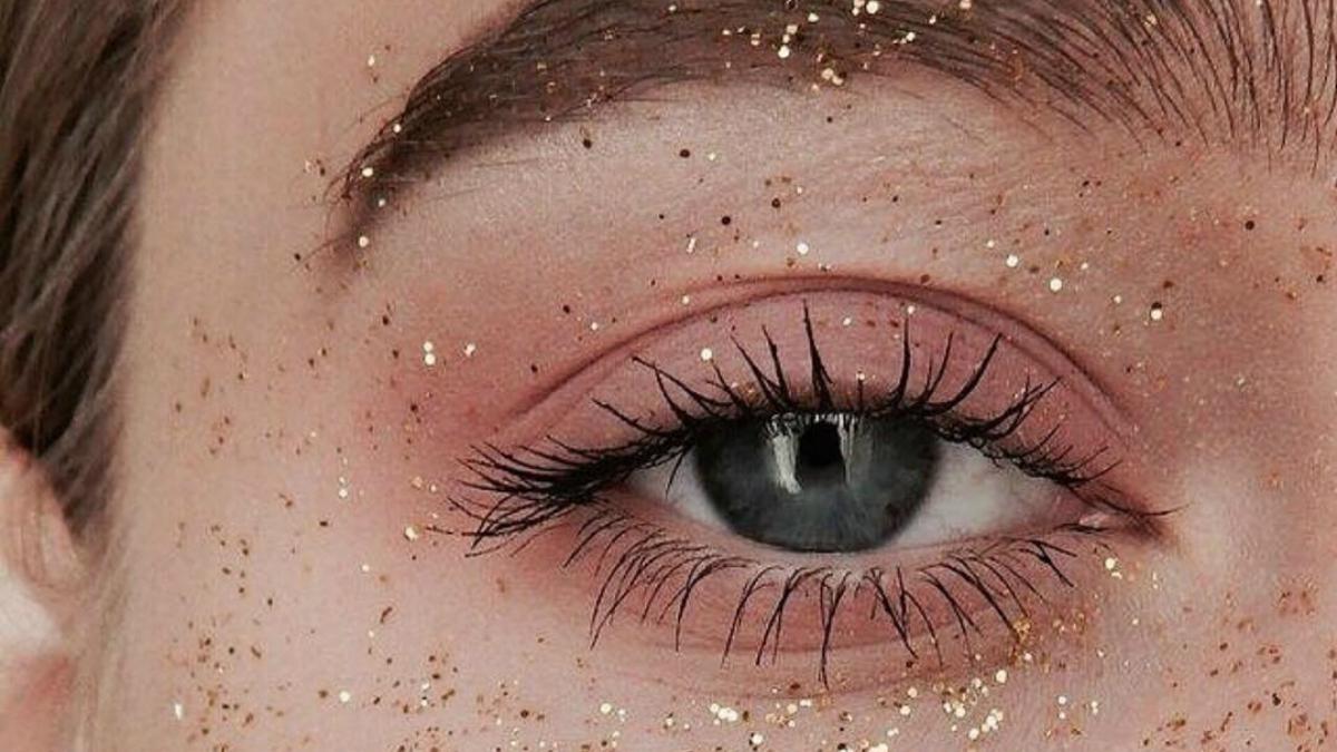 brokatowy makijaż