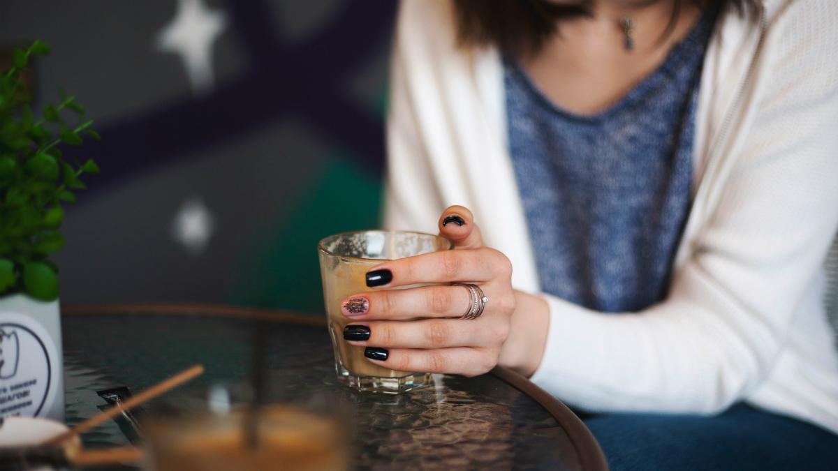 Dokładnie tyle dni powinnaś trzymać hybrydę, by płytka paznokcia była zdrowa