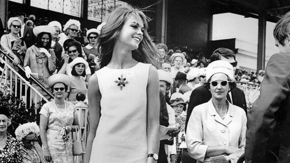 Historia sukienki, która zmieniła postrzeganie damskiej mody
