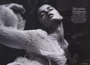 Zmysłowa Crystal Renn we francuskim Vogue