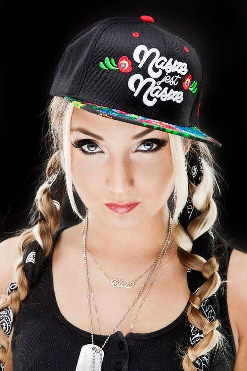 Cleo wypuściła limitowaną edycję czapek
