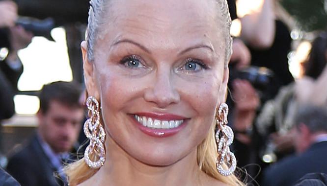 Poznajecie? TAK, właśnie tak teraz wygląda Pamela Anderson