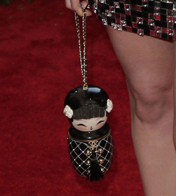 Dakota Johnson błyszczała na Gali Met 2015 (FOTO)