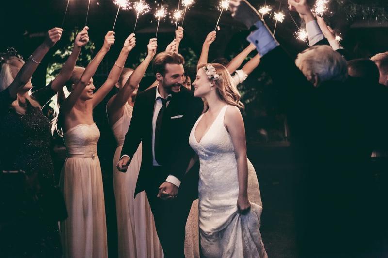 Suknie ślubne plus size od David's Bridal (FOTO)