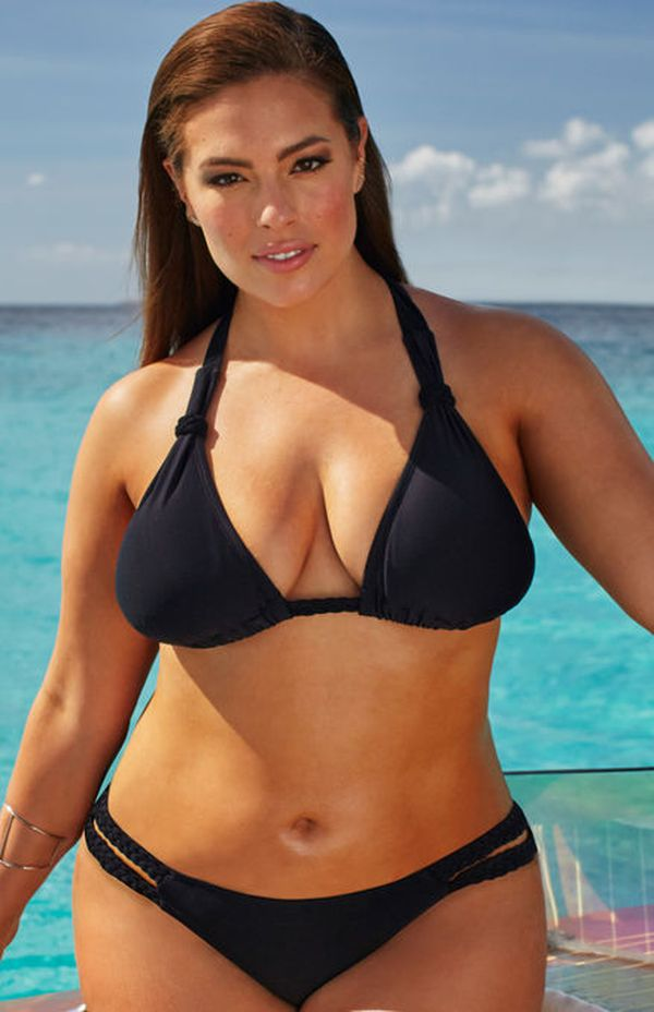 Ashley Graham zaprojektowała kostiumy kąpielowe dla kobiet plus size