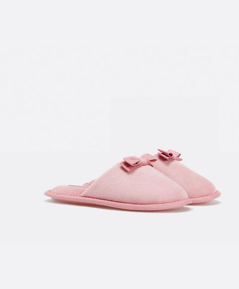 Wyprzedaż w Oysho – Ciepłe, urocze pantofle