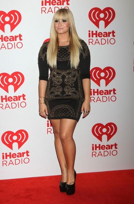 Seksowna mini Demi Lovato (FOTO)