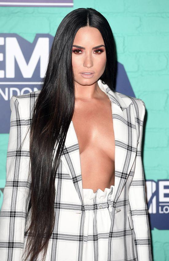 Na gali MTV EMA 2017 chciała być jak Kim Kardashian, ale...