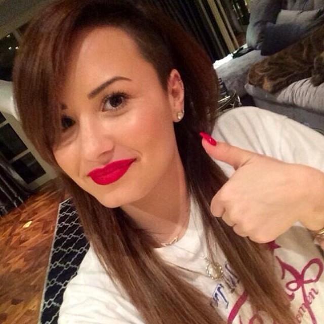 Demi Lovato zaszalał z fryzurą! (FOTO)