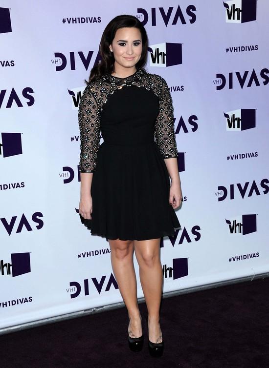 Demi Lovato w sukience marki Topshop (FOTO)