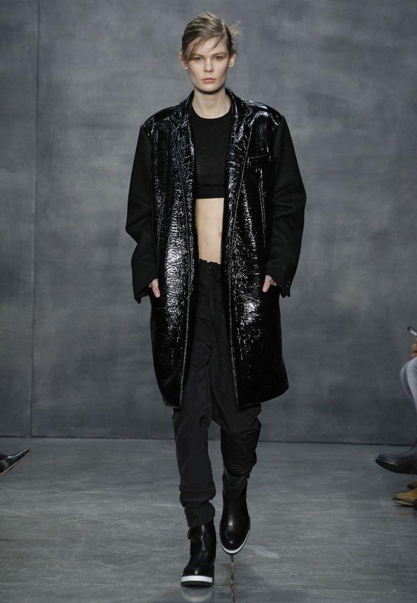 Ciemna strona jesiennej kolekcji Very Wang na 2015 rok