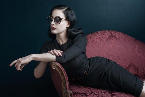 Dita Von Teese twarzą linii okularów