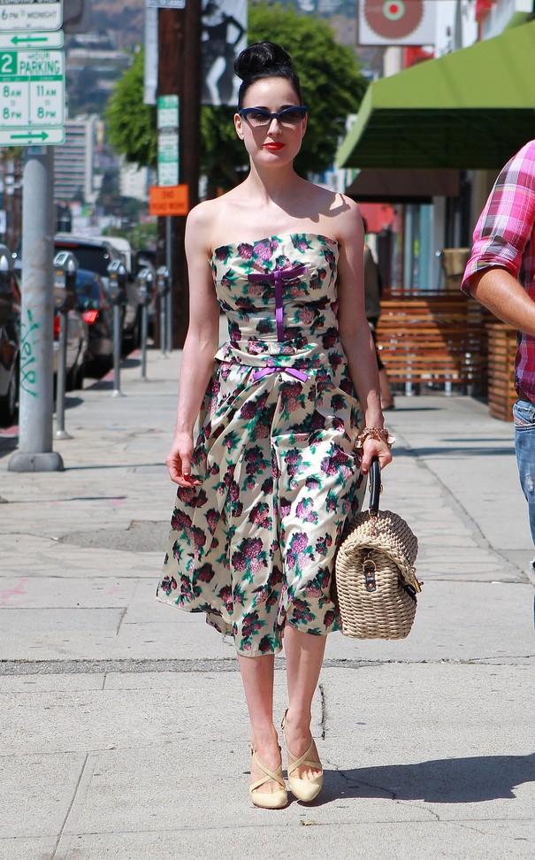 Gwiazdy we wzorzystych sukienkach