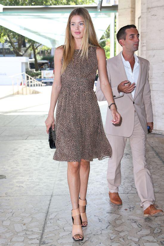 Doutzen Kroes w sukience Michaela Korsa (FOTO)