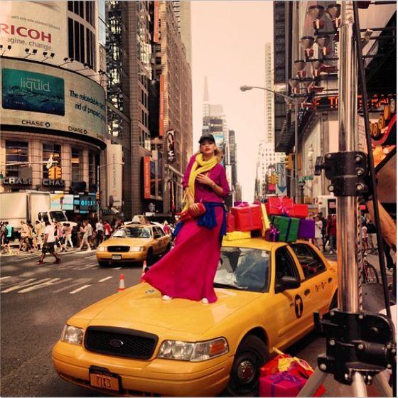 Rita Ora zastąpi Carę Delevingne kampanii DKNY Resort 2014