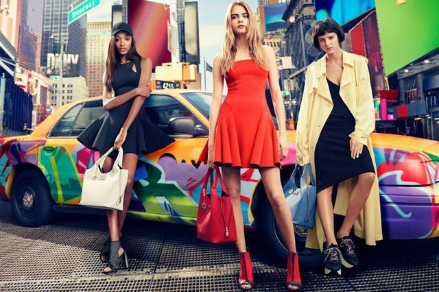 Pełna wiosenno-letnia kampania DKNY z gwiazdami marki (FOTO)