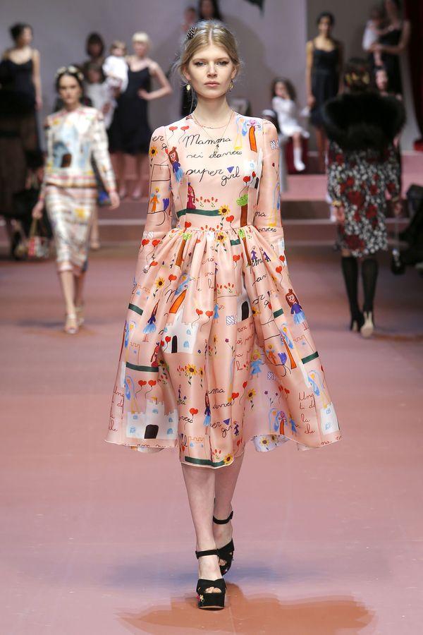 Wybieg Dolce&Gabbana opanowały ciężarne kobiety i dzieci!