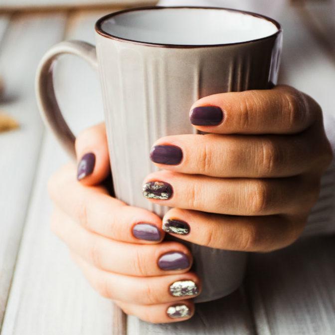 Hybryda zniszczyła Twoje paznokcie? Ta domowa odżywka naprawi wszystkie szkody