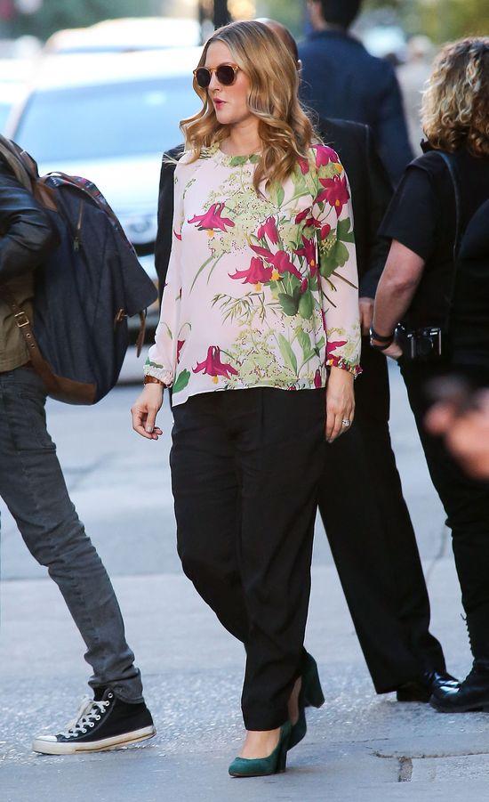 Drew Barrymore w kwiecistej bluzce (FOTO)