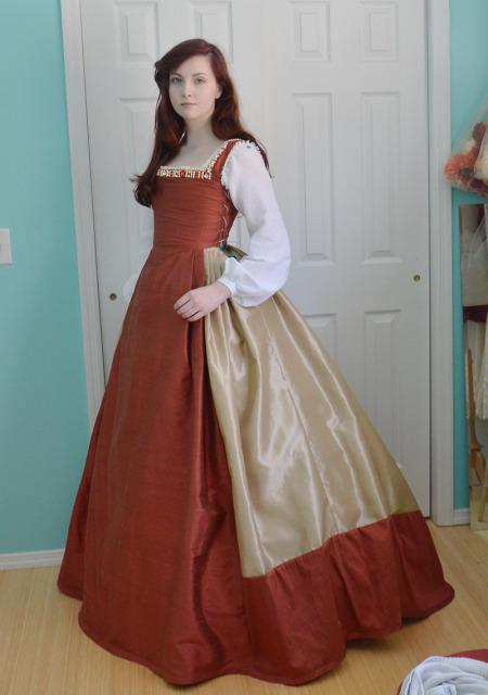 18-letnia Angela Clayton szyje niezwykłe kostiumy (FOTO)