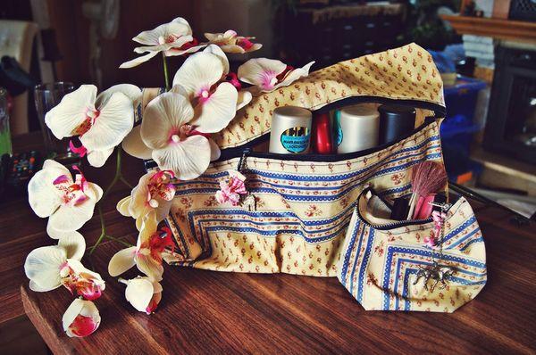 Kosmetyczka DIY - idealny pomysł na prezent! (FOTO)