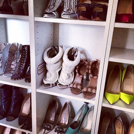 Ogromna kolekcja butów Sary Mannei - wybranki Artura Boruca