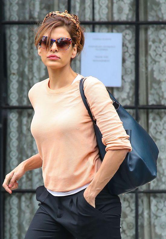 Eva Mendes na okładce Lucky (FOTO)