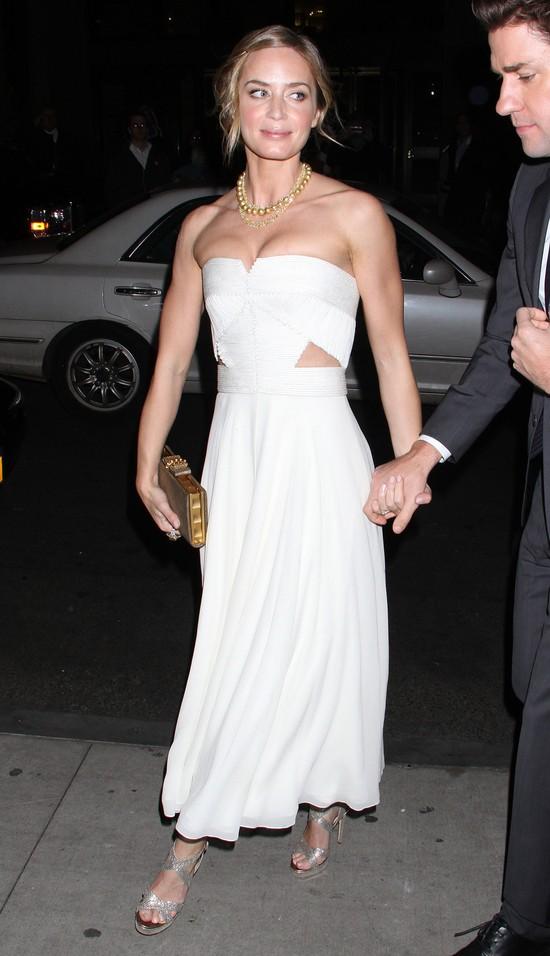 Emily Blunt w sukience Calvina Kleina (FOTO)