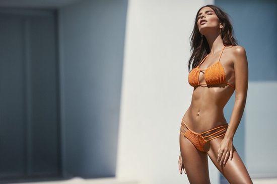 Emily Ratajkowski udowadnia, że ma najlepsze ciało w modelingu