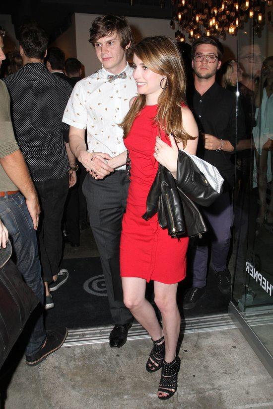 Emma Roberts w czerwonej sukience (FOTO)