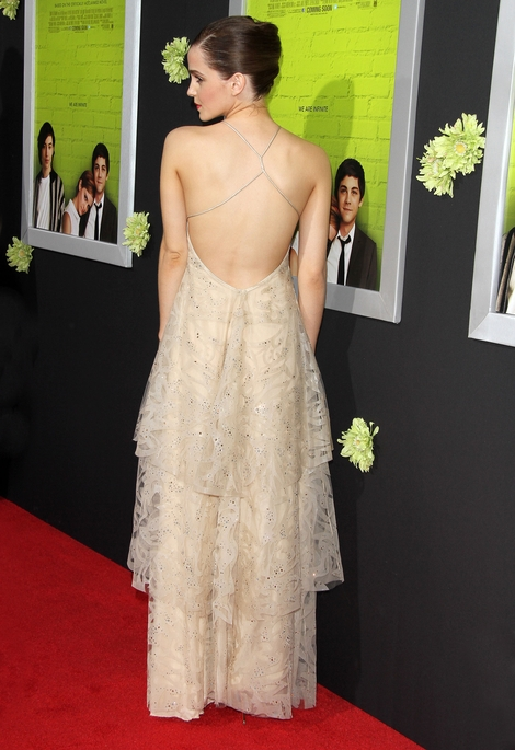Średnio udana stylizacja Emmy Watson (FOTO)
