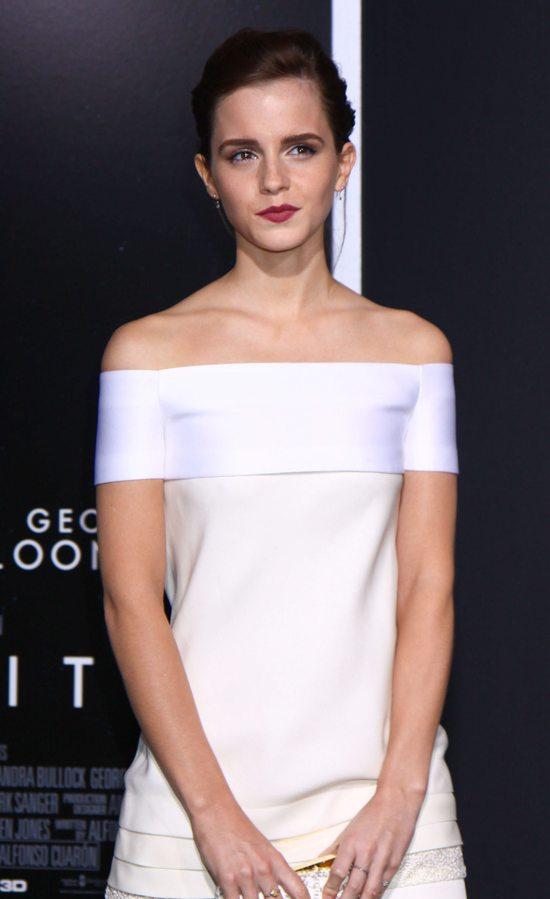 Emma Watson postawiła na biel