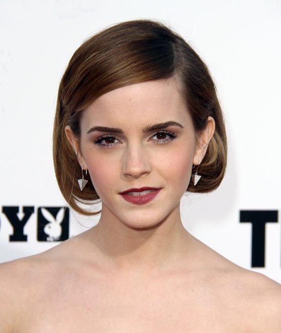 Emma Watson w gorsecie i cygaretkach (FOTO)