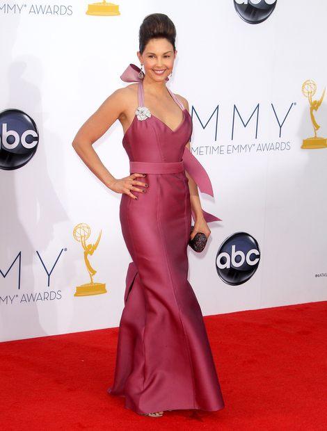 Kreacje na gali Emmy 2012 (FOTO)