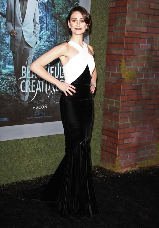 Emmy Rossum w długiej,czarno-białej sukni(FOTO)