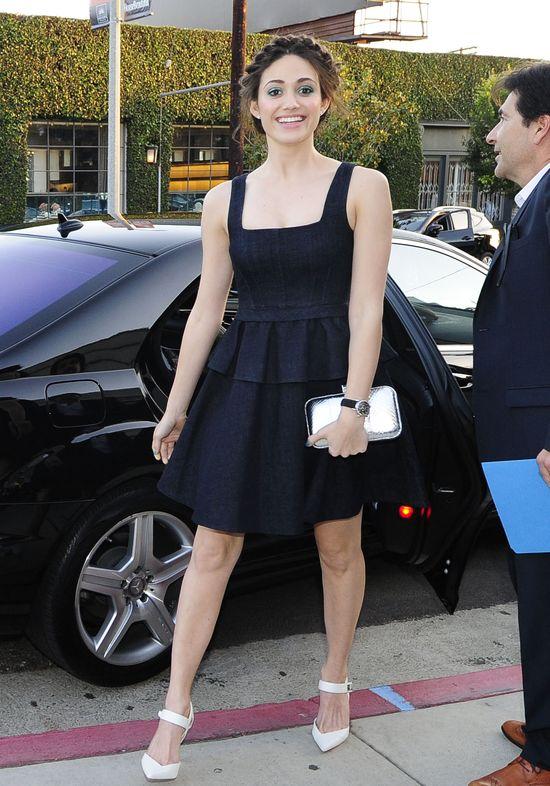 Emmy Rossum w sukience z baskinką