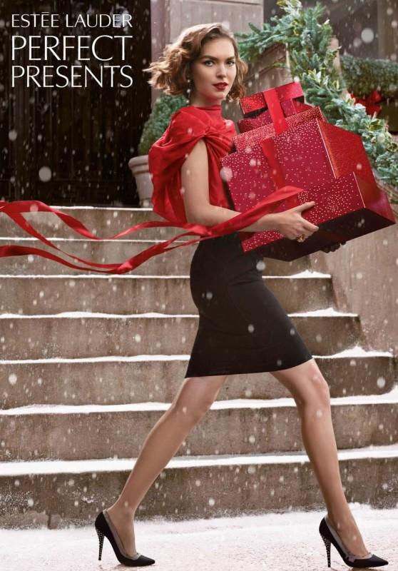 Arizona Muse świątecznie dla Este Lauder (FOTO)