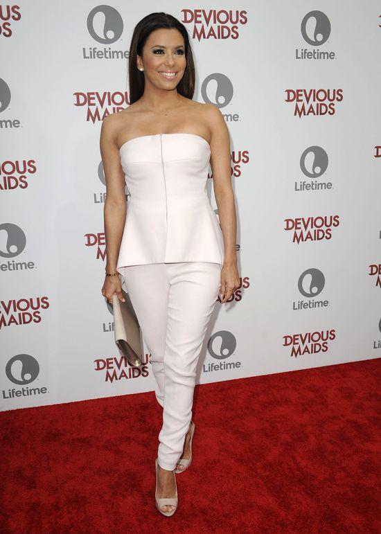 Eva Longoria w białym kombinezonie