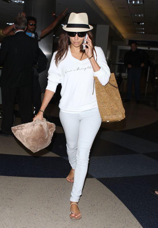 Eva Longoria wybrała modny look w bieli