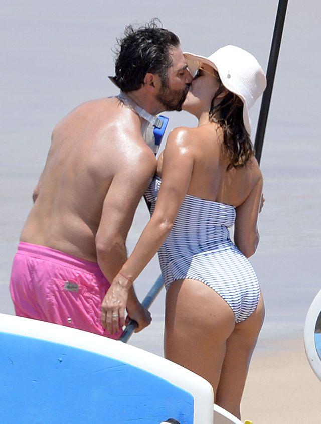 O nie! W tym stroju kąpielowym Eva Longoria wygląda naprawdę źle! (FOTO)