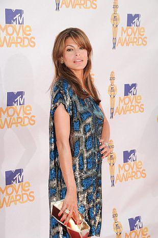 Eva Mendes w sukience Stelli McCartney