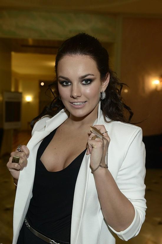 Ewa Farna chwali się szczupłą sylwetką (FOTO)