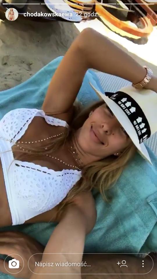 Ewa Chodakowska pokazała ciało w bikini i.... bliznę (FOTO)
