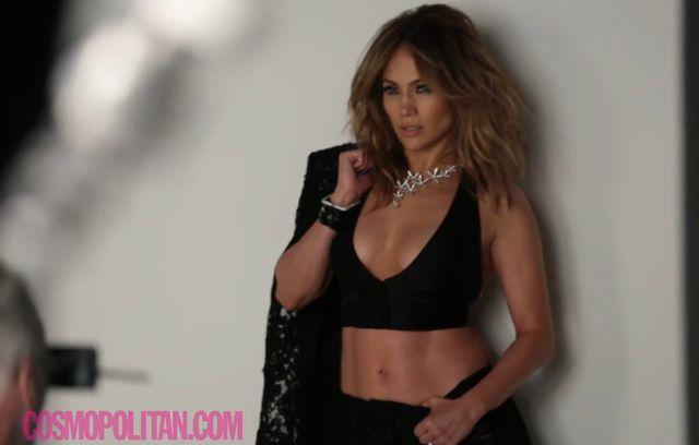 Jennifer Lopez na okładce Cosmopolitan (FOTO)