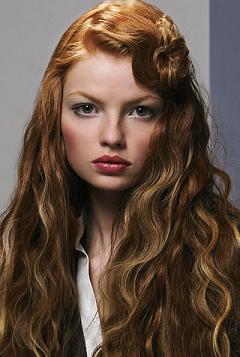 włosy, fryzura, uczesanie, trendy, jesień, hair, uroda, wygląd, styl