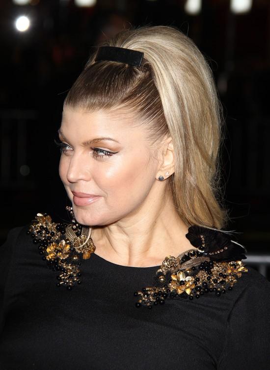 Fergie w małej czarnej projektu Gucci (FOTO)