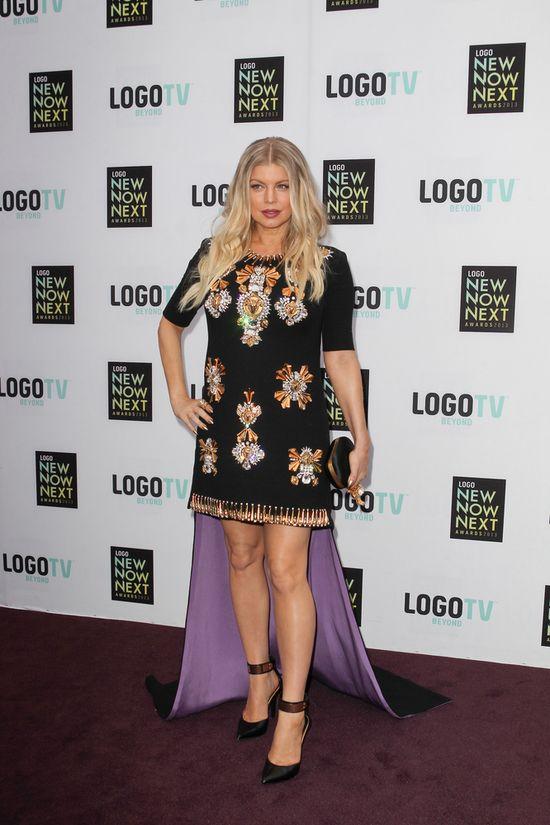 Fergie w sukience z trenem (FOTO)